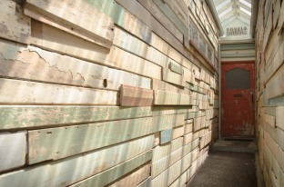 Entrance to Havana Bar o Wigan Street.