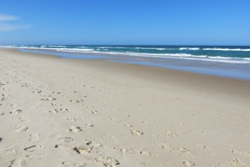 Powder-like sand @ Broadbeach, QLD