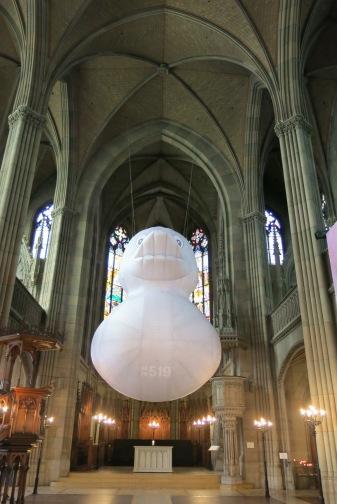 Inside the St. Elizabeth cathedral