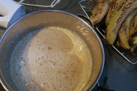 beaten bananas and oil and egg mixture